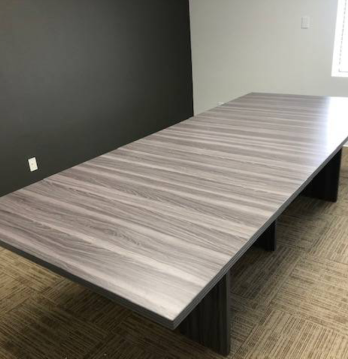 Large Conference Tables – A Shocking NewTrend